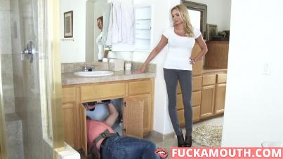 horny mommy seduced plumber